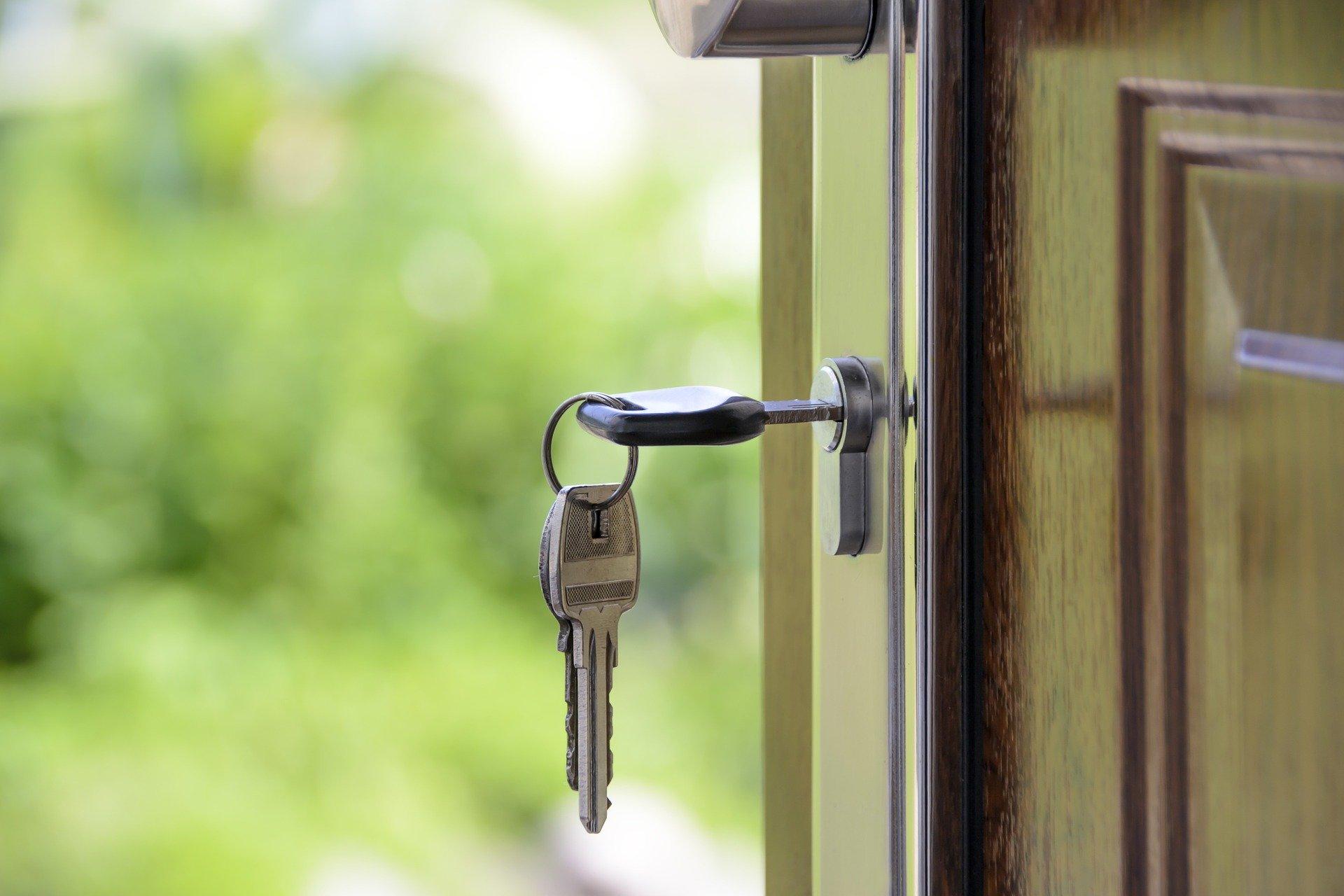 Wohnungseingangstüre mit Schlüssel