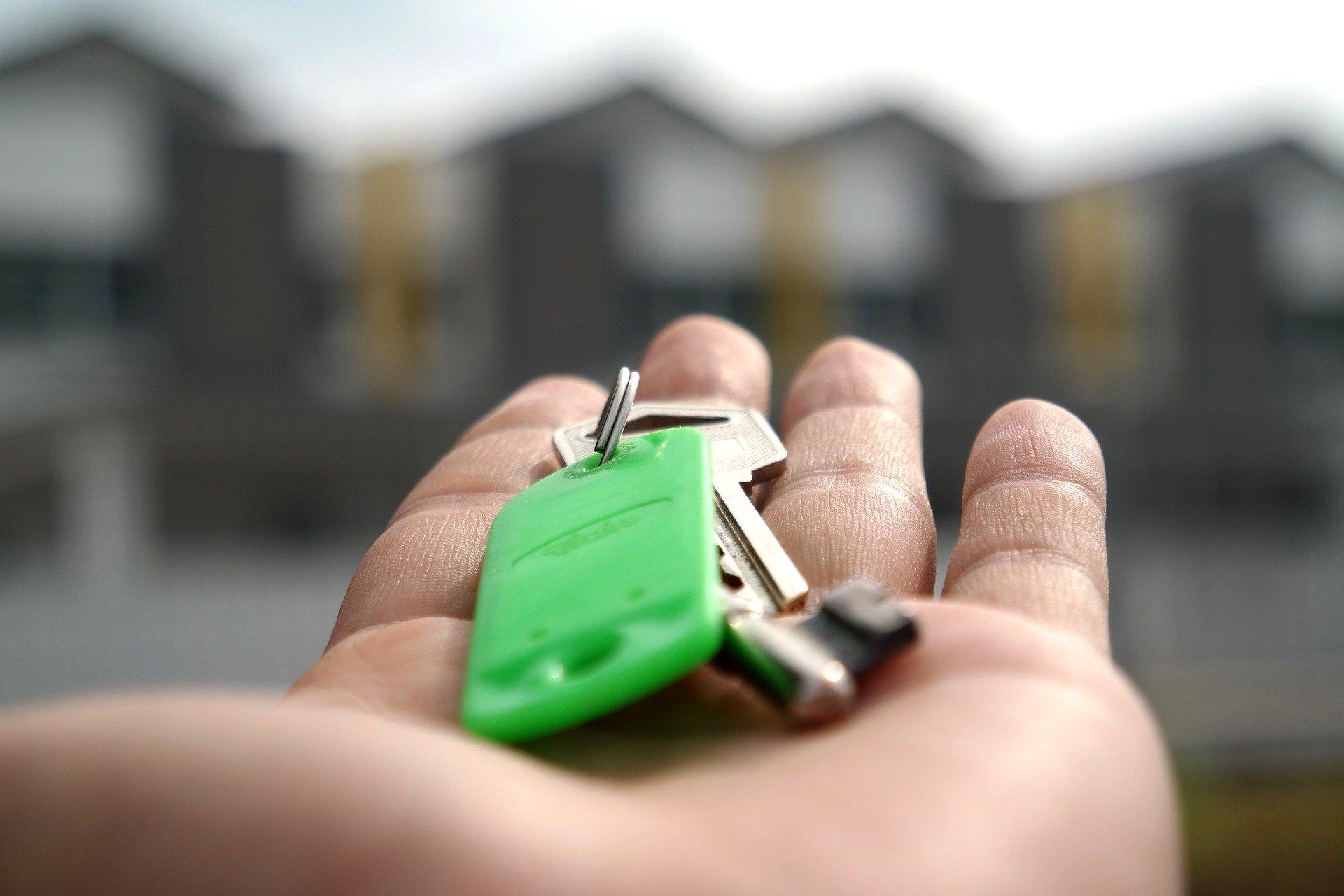 Wohnungsschlüssel auf der Hand